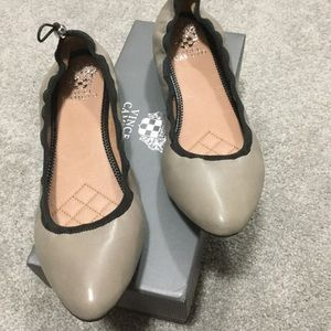 Brand new Vince Camuto flats size 9